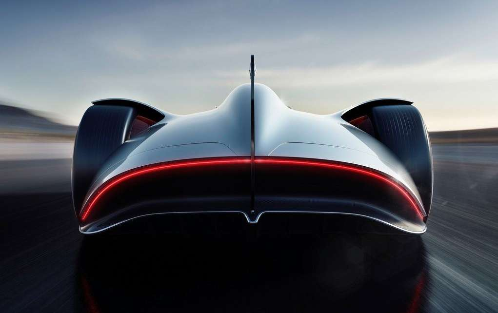 Видео-обзор Mercedes-Benz Vision EQ Silver Arrow Concept