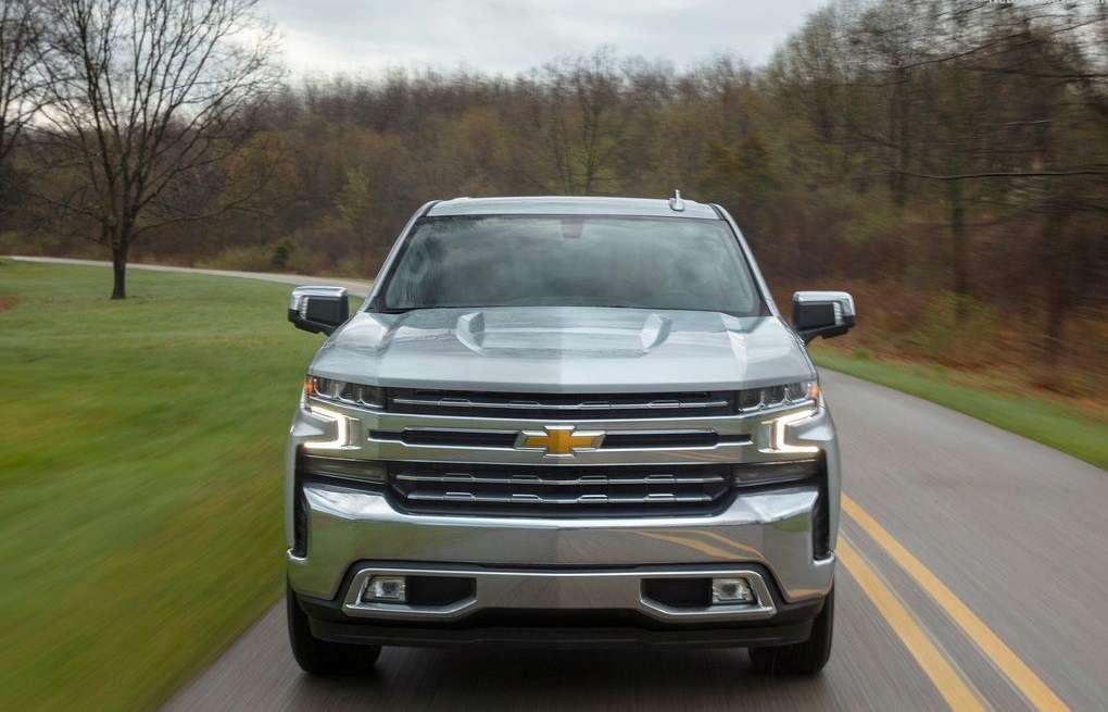 Видео-обзор Chevrolet Silverado 2019