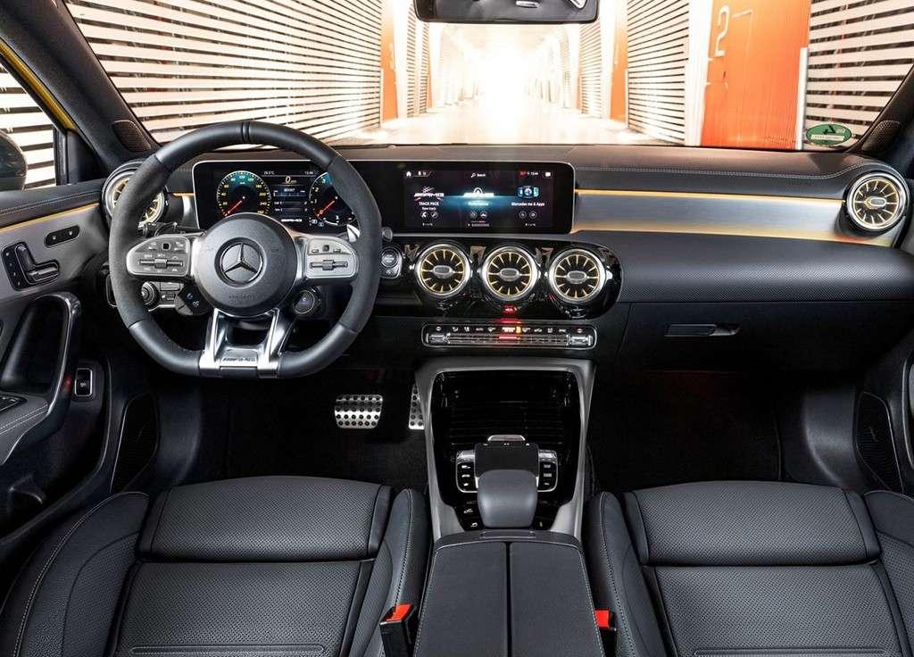 Видео-обзор Mercedes-AMG A 35 4MATIC 2018-2019 года