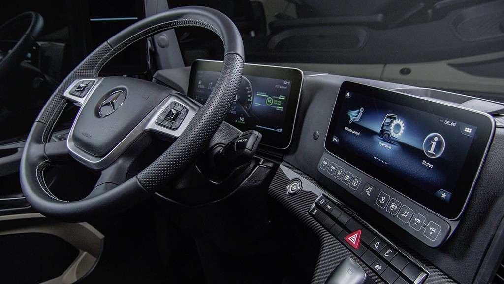 Видео-обзор Mercedes-Benz Actros 2018-2019 года