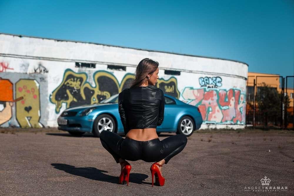 Сексуальные девушки и автомобили (часть 40)