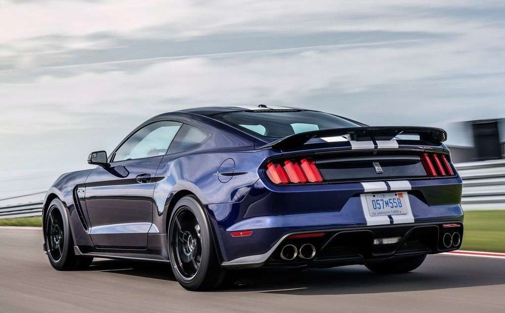 Ford Mustang Shelby GT350 2019 года: обзор новинки