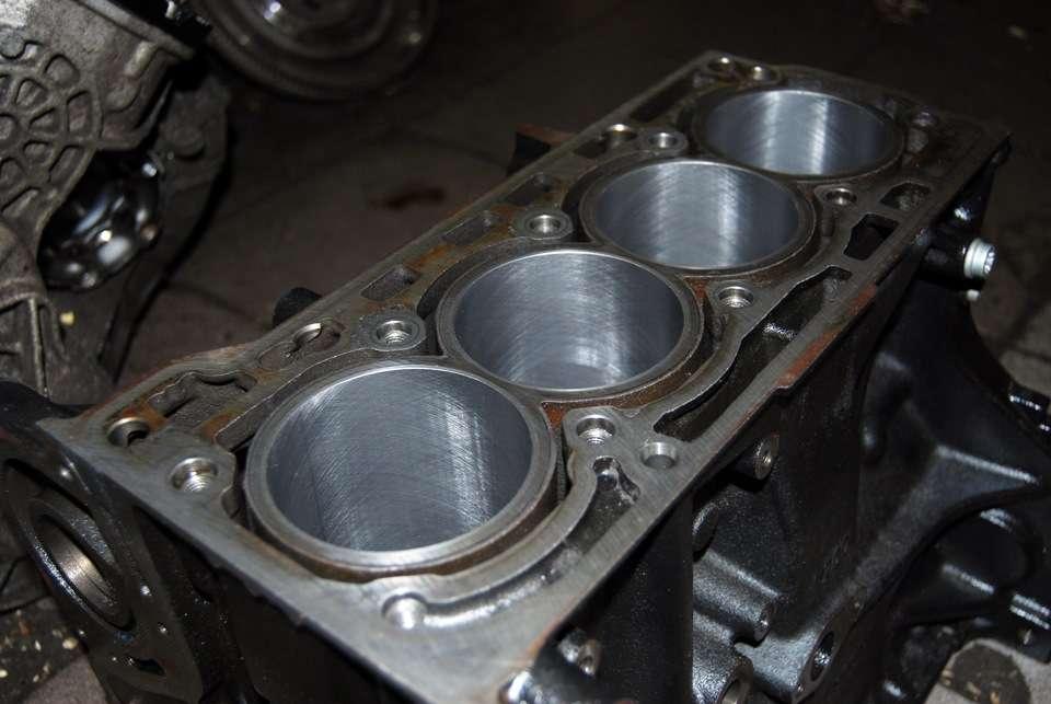 Зачем нужна гильзовка блока цилиндров двигателя?
