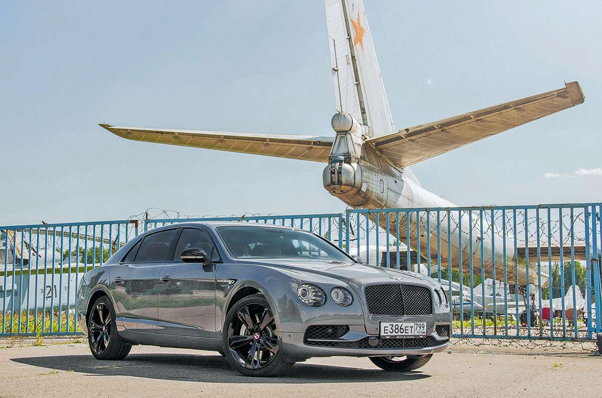 Bentley Flying Spur V8 S Black Edition: подробный обзор