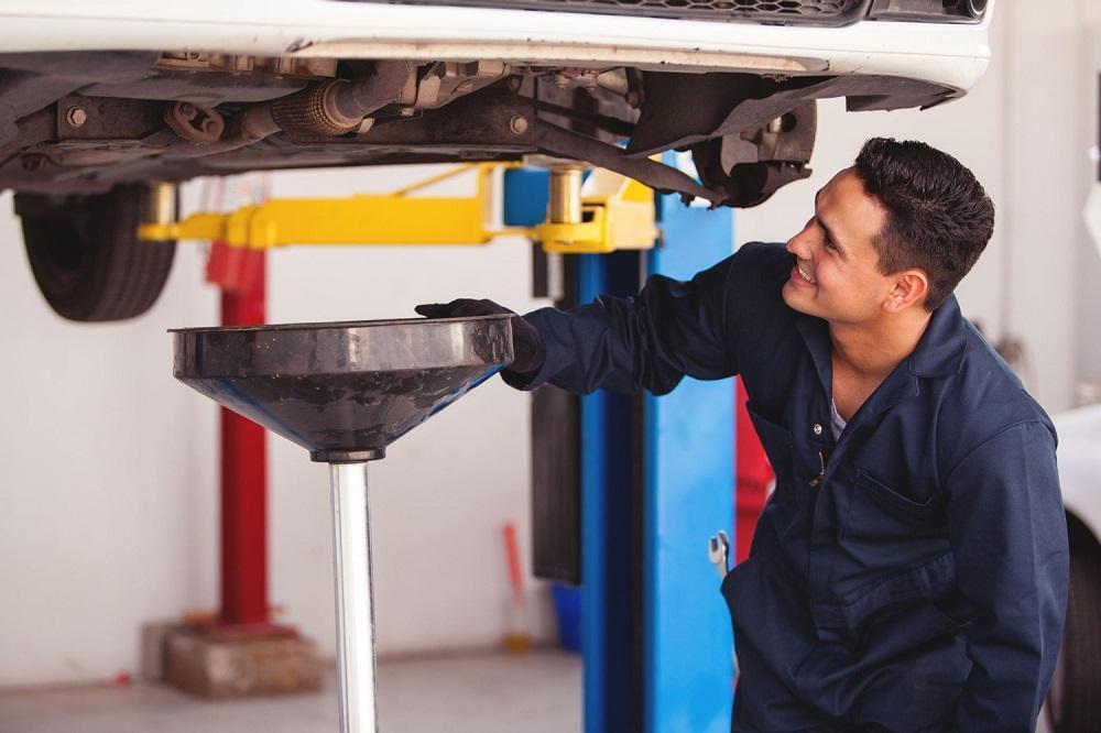 zamena masla MKPP - Как в автосервисах обманывают и разводят на дополнительный ремонт?