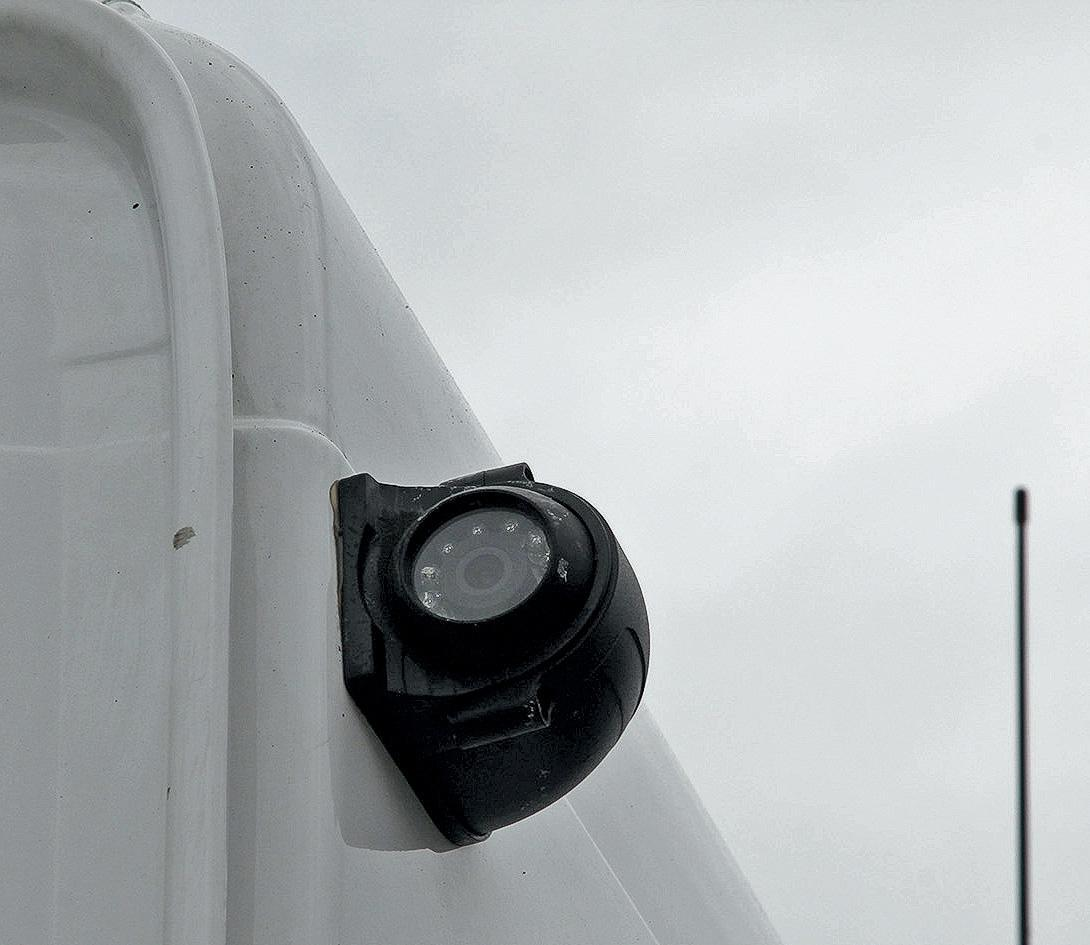 Как следят за топливом при его транспортировке в бензовозах?