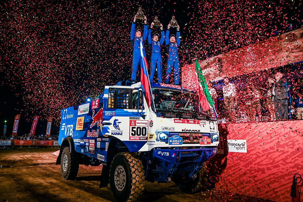 Неспортивные состязания: как КАМАЗы вновь выиграли «Дакар»