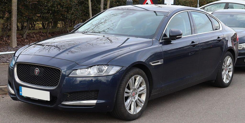 Обзор Jaguar XF