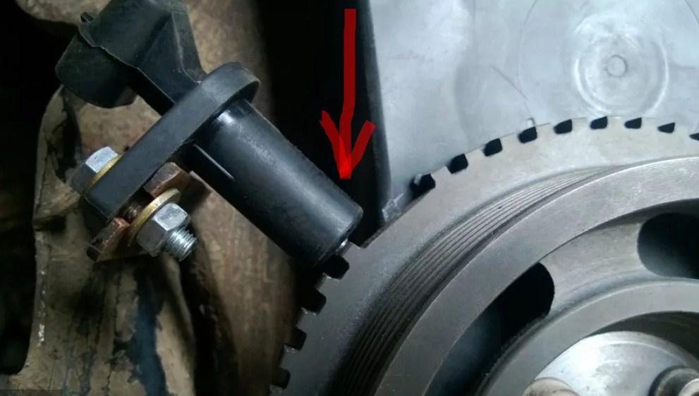 Зачем нужен датчик неровной дороги и как он работает?