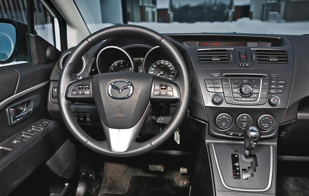 Замена моторчика печки Mazda 5 своими руками