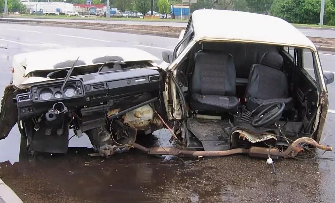 Можно ли запенить пороги на автомобиле?