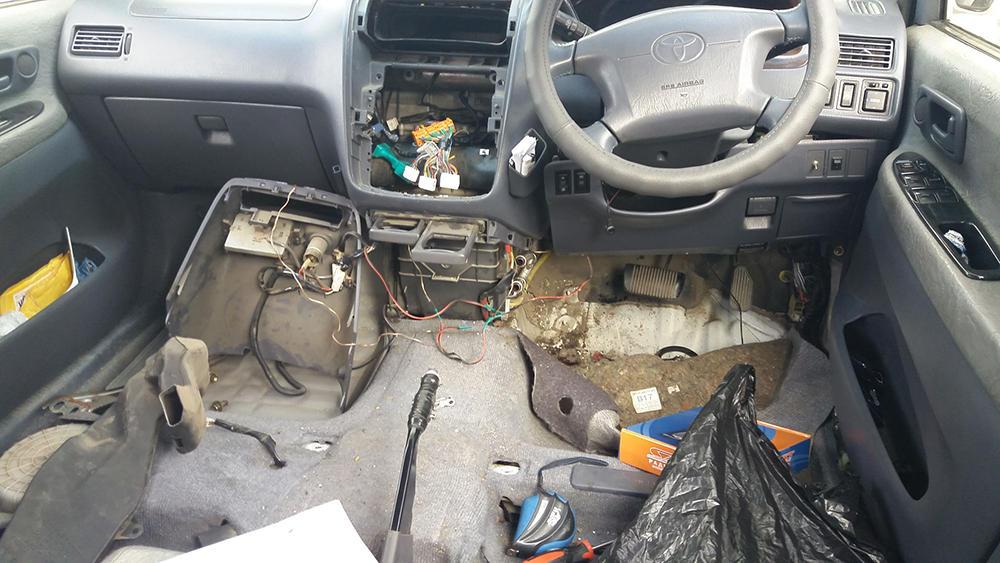 Почему на Toyota Ipsum плохо работает печка и что с этим делать