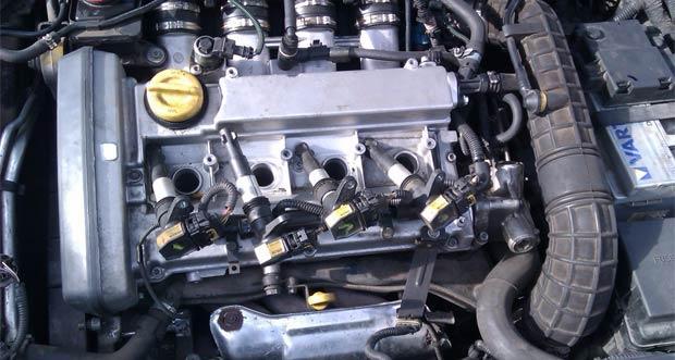 Почему масло в двигателе пахнет бензином? Ищем причины