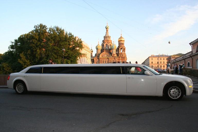Лучшие 5 неубиваемых машин за 300 000 рублей