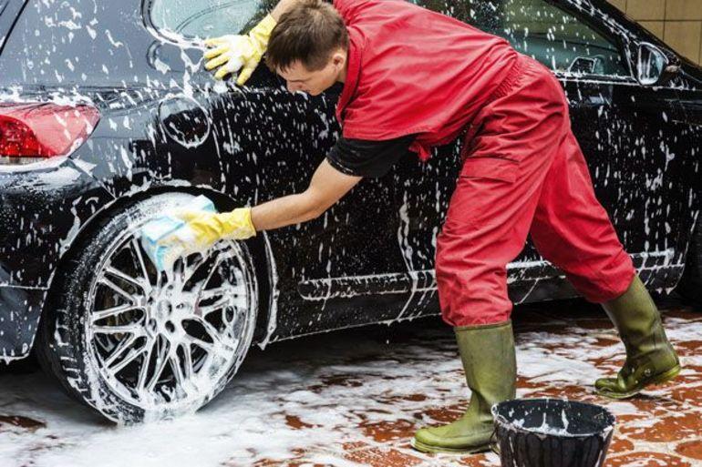 Что будет, если помыть машину Фейри или другим подобным средством
