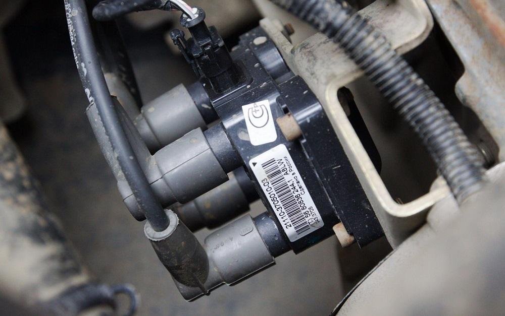 Катушка зажигания в автомобиле: назначение, принцип действия, конструктивные особенности