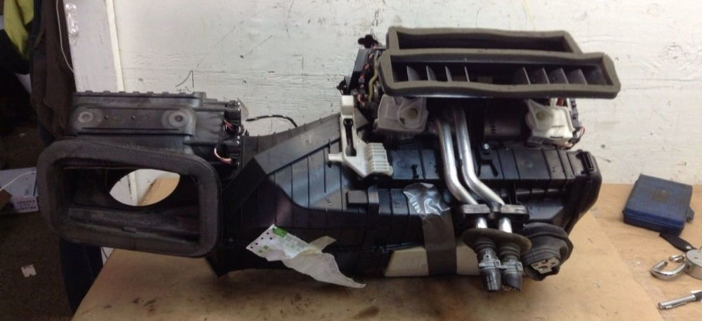 Как восстановить работоспособность самостоятельно, если в автомобиле Audi A4 не греет печка
