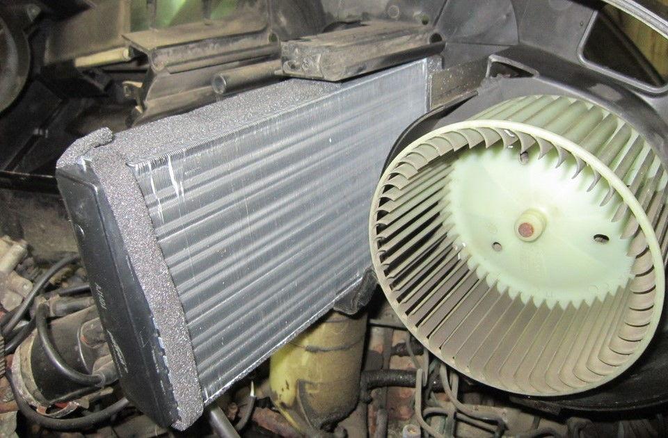 Почему на Audi 100 может плохо греть печка и как устранить неисправности