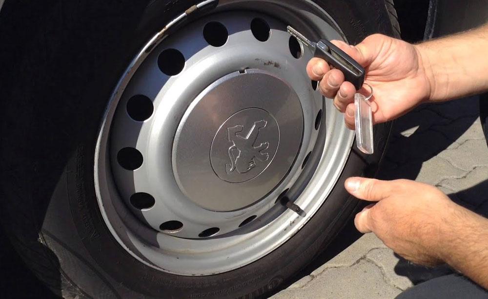 Какими бывают колпаки для колёс и как их правильно выбрать