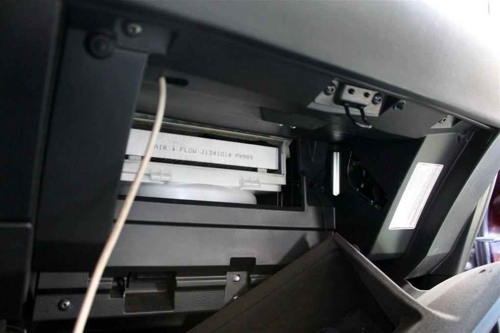 Как правильно поменять салонный фильтр на Nissan Murano