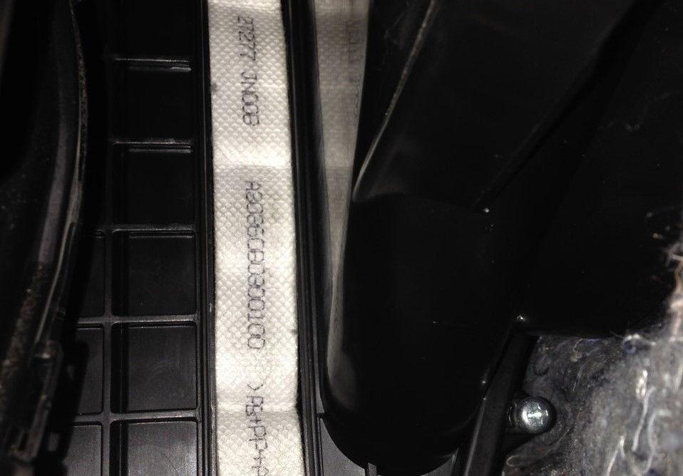 Замена фильтра салона Nissan Teana