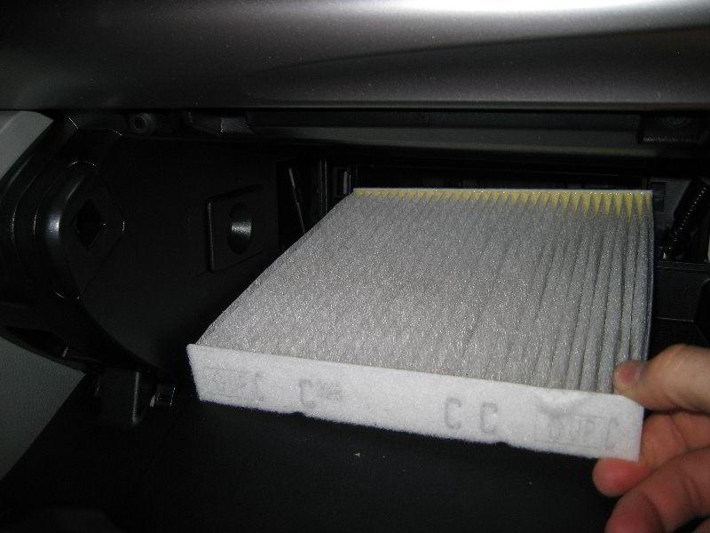 Как поменять фильтр салона Toyota Camry за 10 минут