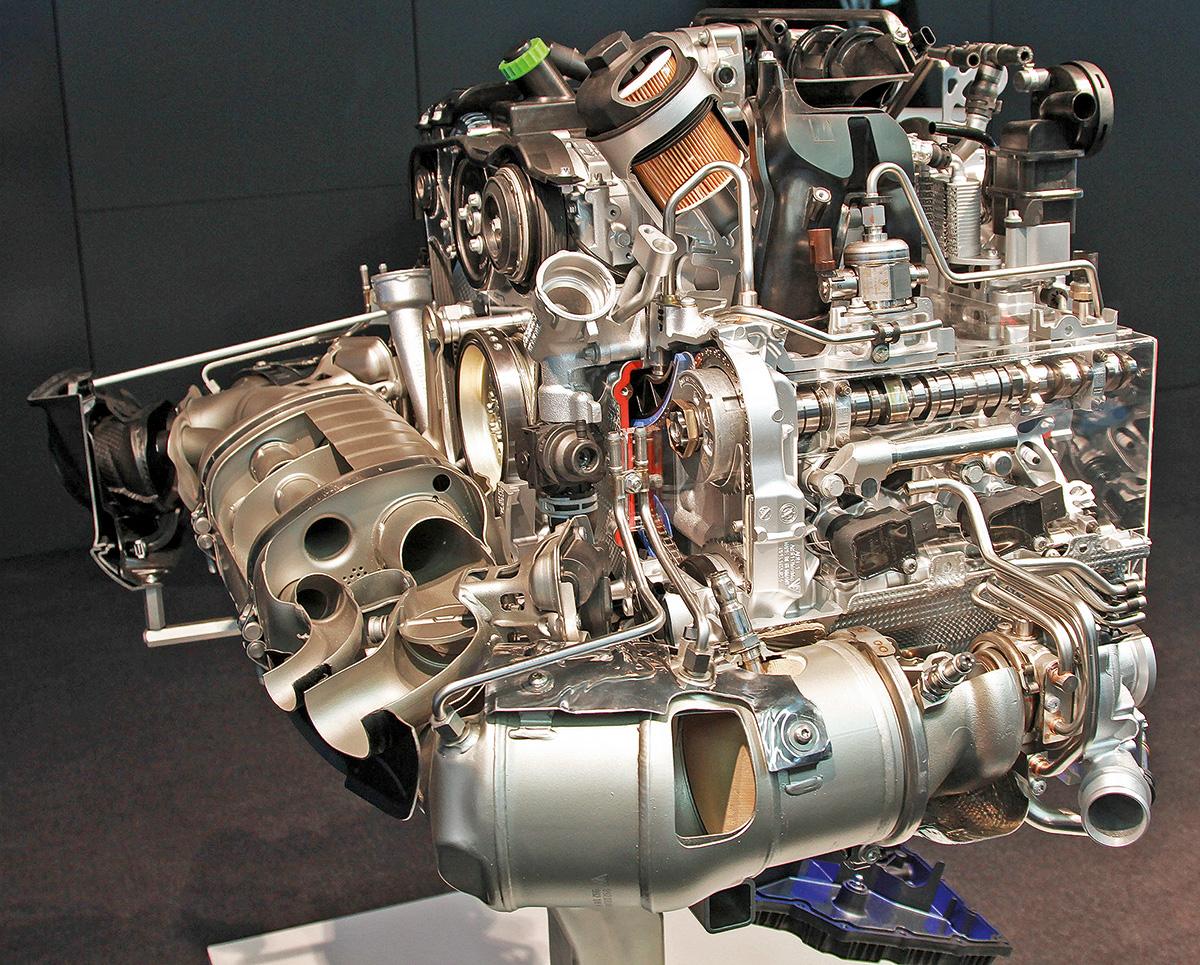 Как устроен новый Porsche 911: разбираемся в особенностях и технологиях легендарного спорткара