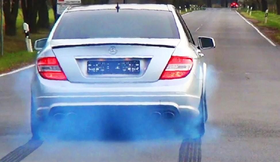 Все причины появления синего дыма из выхлопной трубы