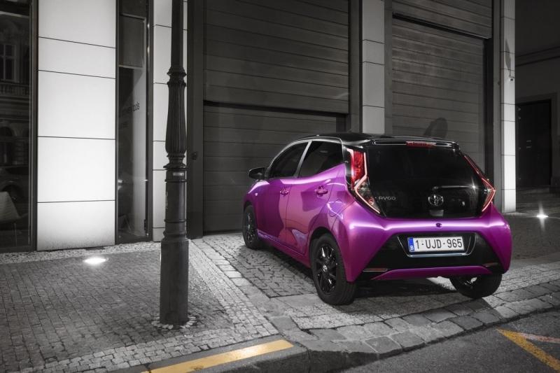 Toyota Aygo (Тойота Айго) – малыш на войне от скуки