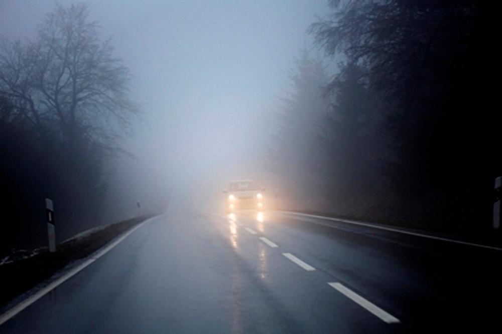 Каким образом вести себя правильно на дороге в условиях недостаточной и ограниченной видимости