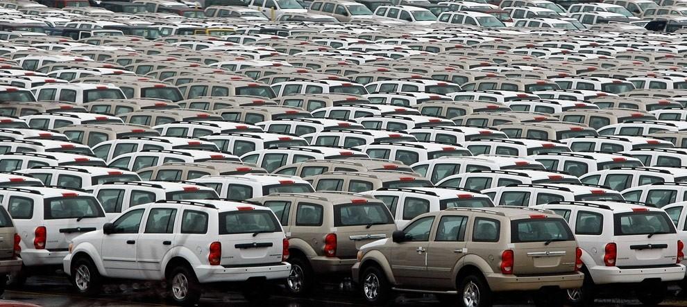 Куда девают машины, которые не смогли продать в салоне?