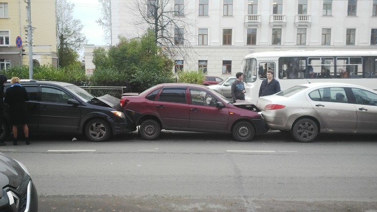 Топ-10 причин, по которым инспекторы ГИБДД останавливают водителей