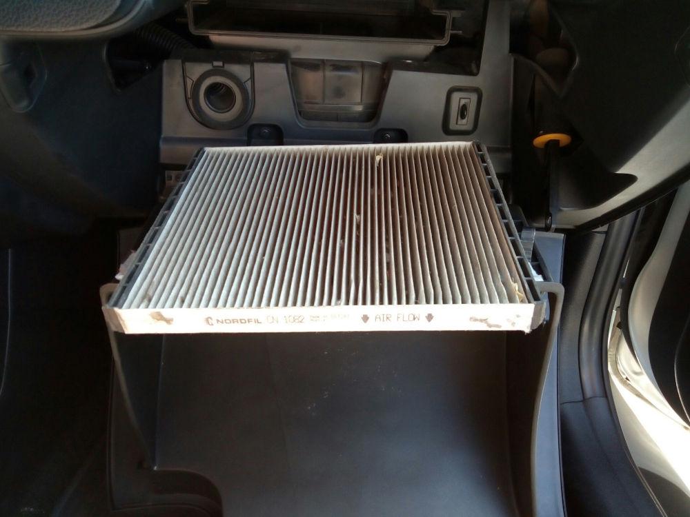 Как своими руками поменять салонный фильтр на автомобиле Kia Ceed