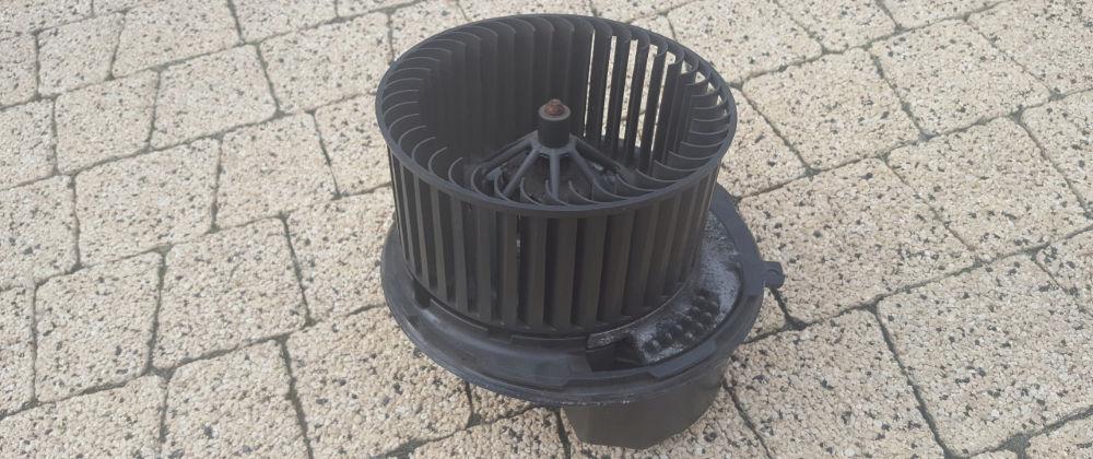 Почему на Audi А3 шумит моторчик печки и как это исправить