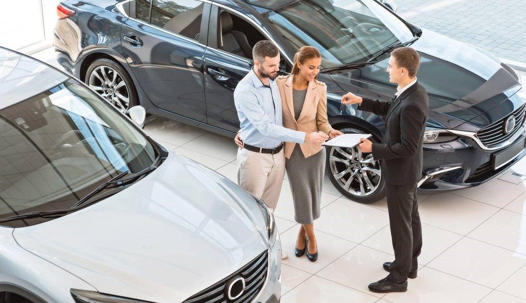 Стоит ли менять старый автомобиль на новый в автосалоне