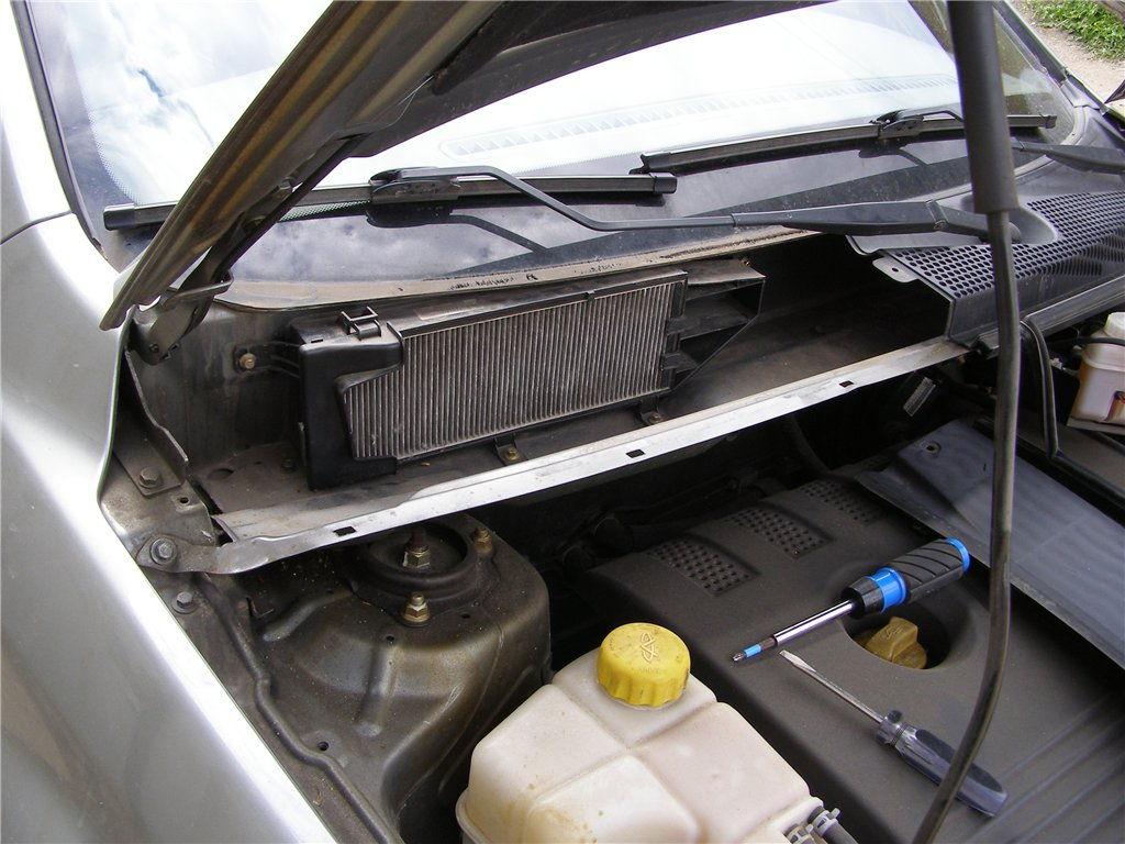 Как поменять салонный фильтр на автомобилях Chery Fora