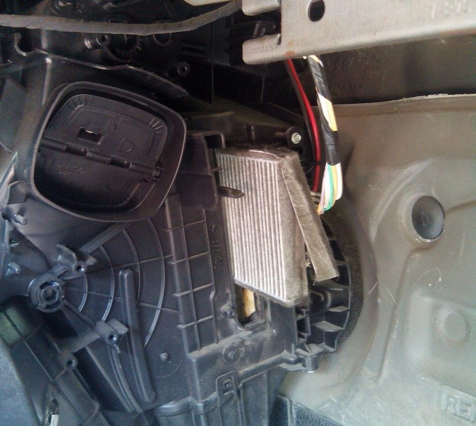 Как поменять салонный фильтр Renault Kangoo самостоятельно