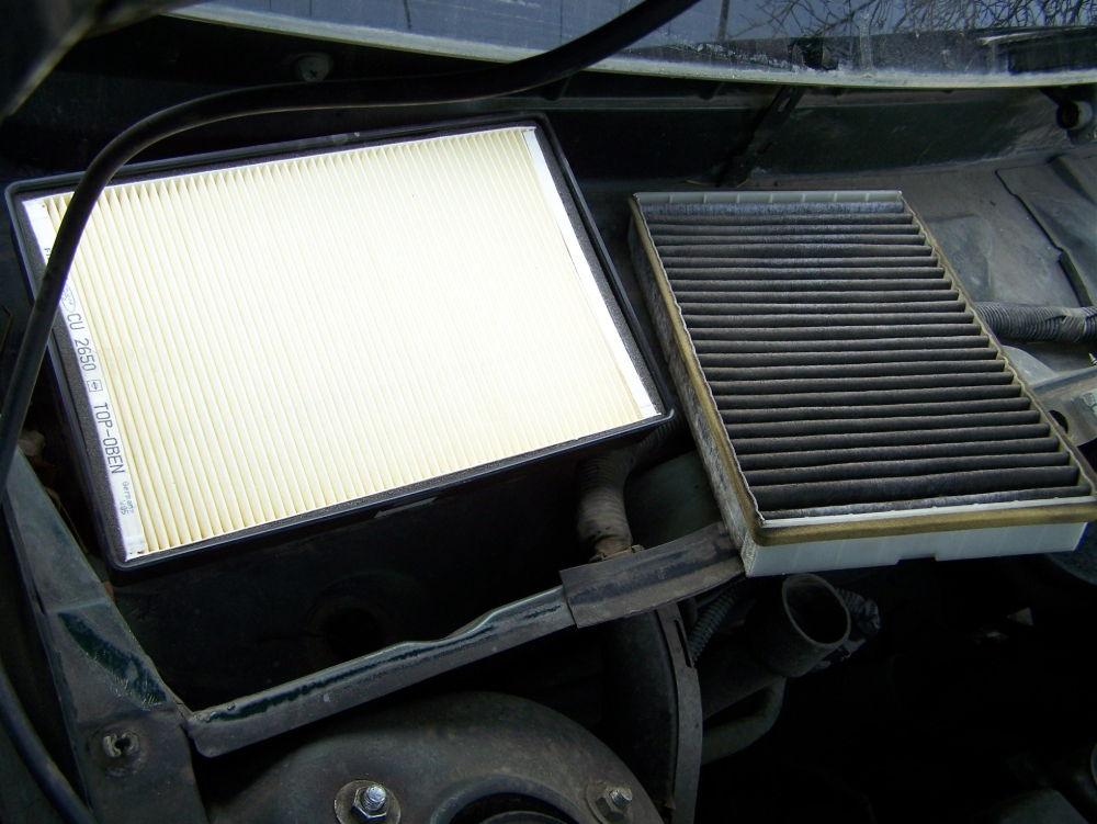Где находится и как заменить салонный фильтр на Volvo XC70