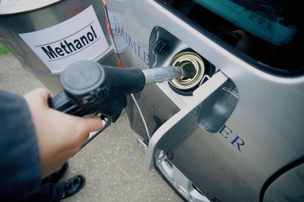 Безопасно ли добавление спирта в бензин