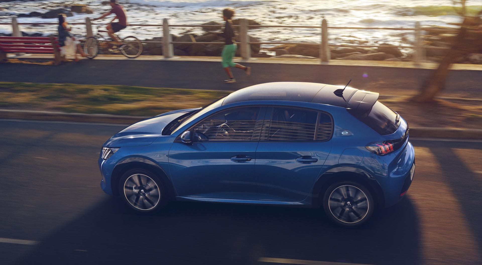 Новый Peugeot 208 – больше, легче и в электрической версии