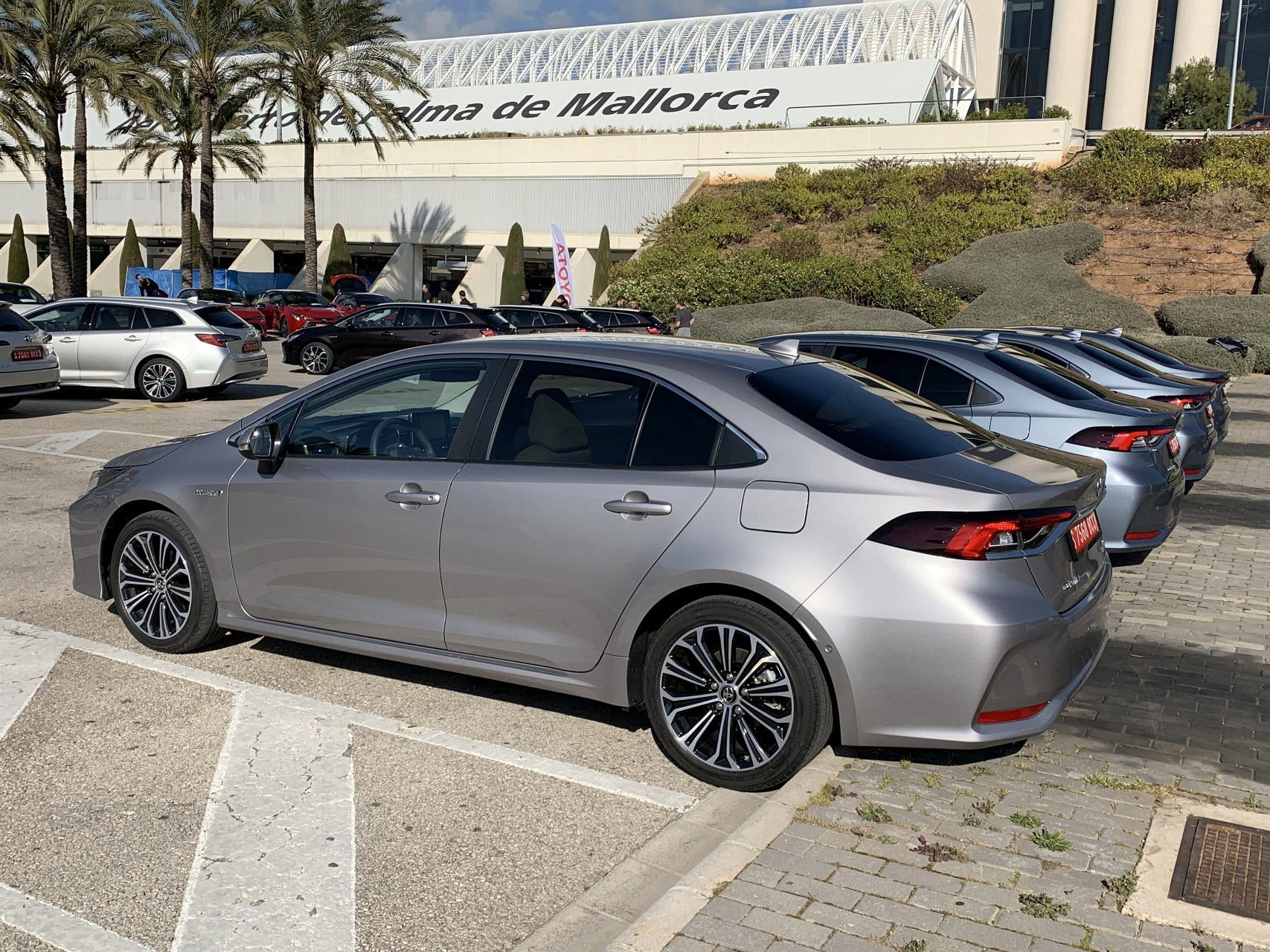 Новая Toyota Corolla (E210) – первый тест-драйв, достоинства и недостатки