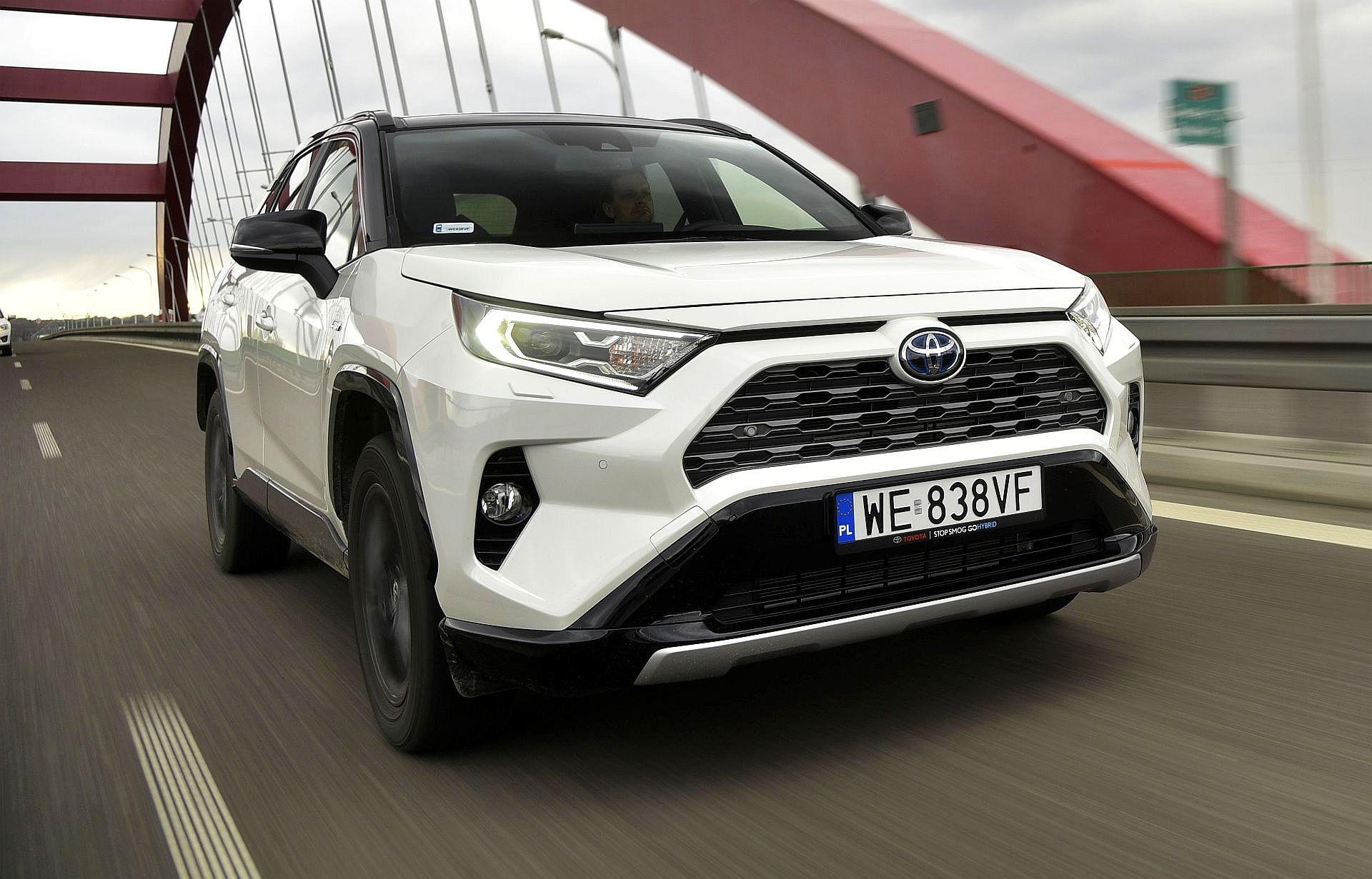 Toyota RAV4 2.5 Hybrid Dynamic Force FWD e-CVT – ТЕСТ