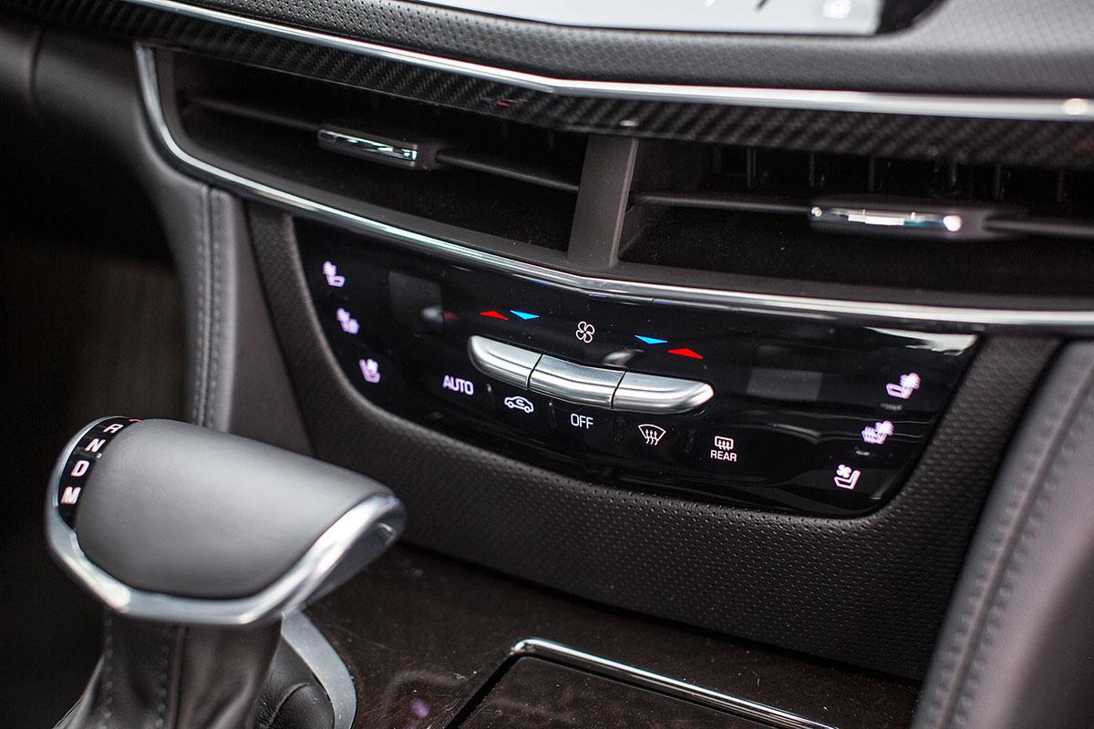 Сравнение Cadillac CT6, Jaguar XJ и Lexus LS 2019 года: технические характеристики, фото, комплектации и цены