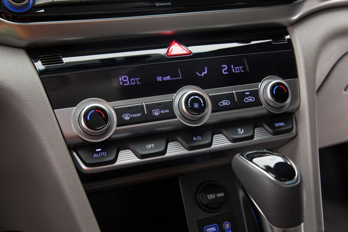 Hyundai Elantra 2019: фото и видео обзор, технические характеристики и отзывы эксплуатации