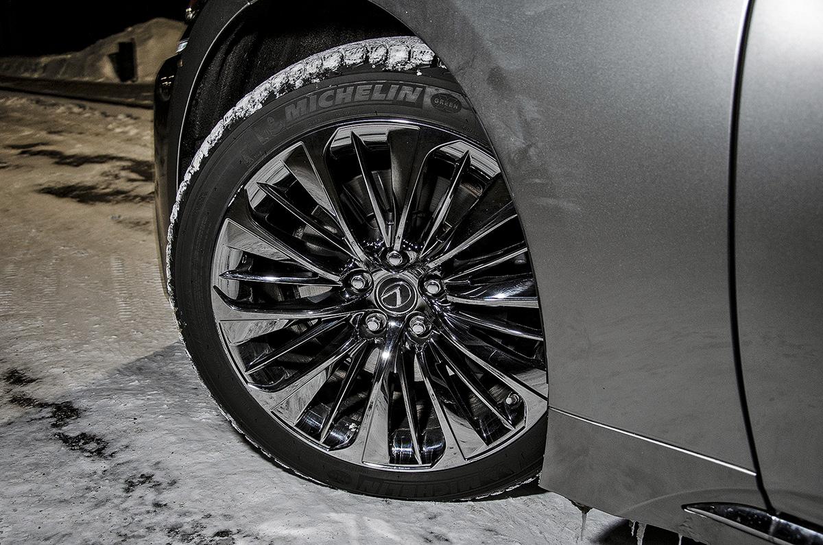 Lexus LS 2019 года: отзыв владельца и затраты эксплуатации