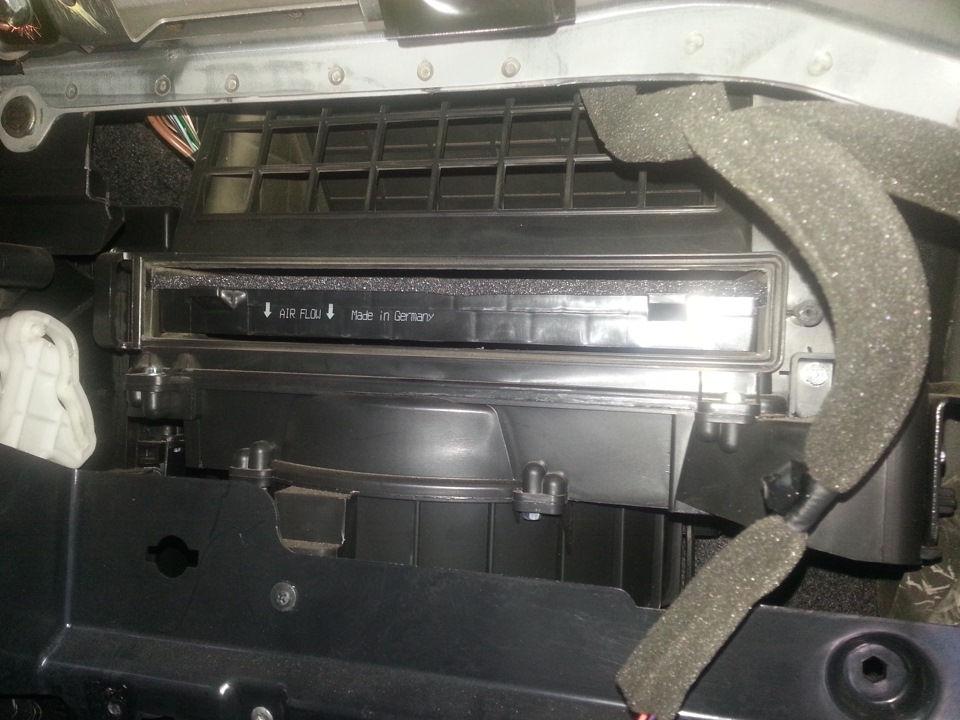 Как проводится замена фильтра салона на автомобилях Opel Antara