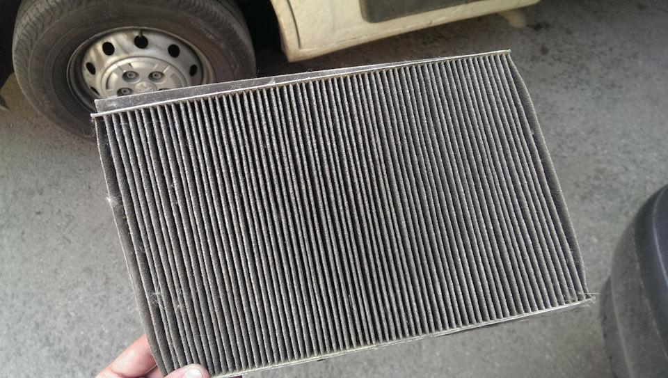 Как самостоятельно поменять фильтр салона на автомобиле Fiat Albea