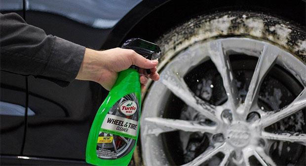 Средства для чистки колёсных дисков. Сравниваем и выбираем