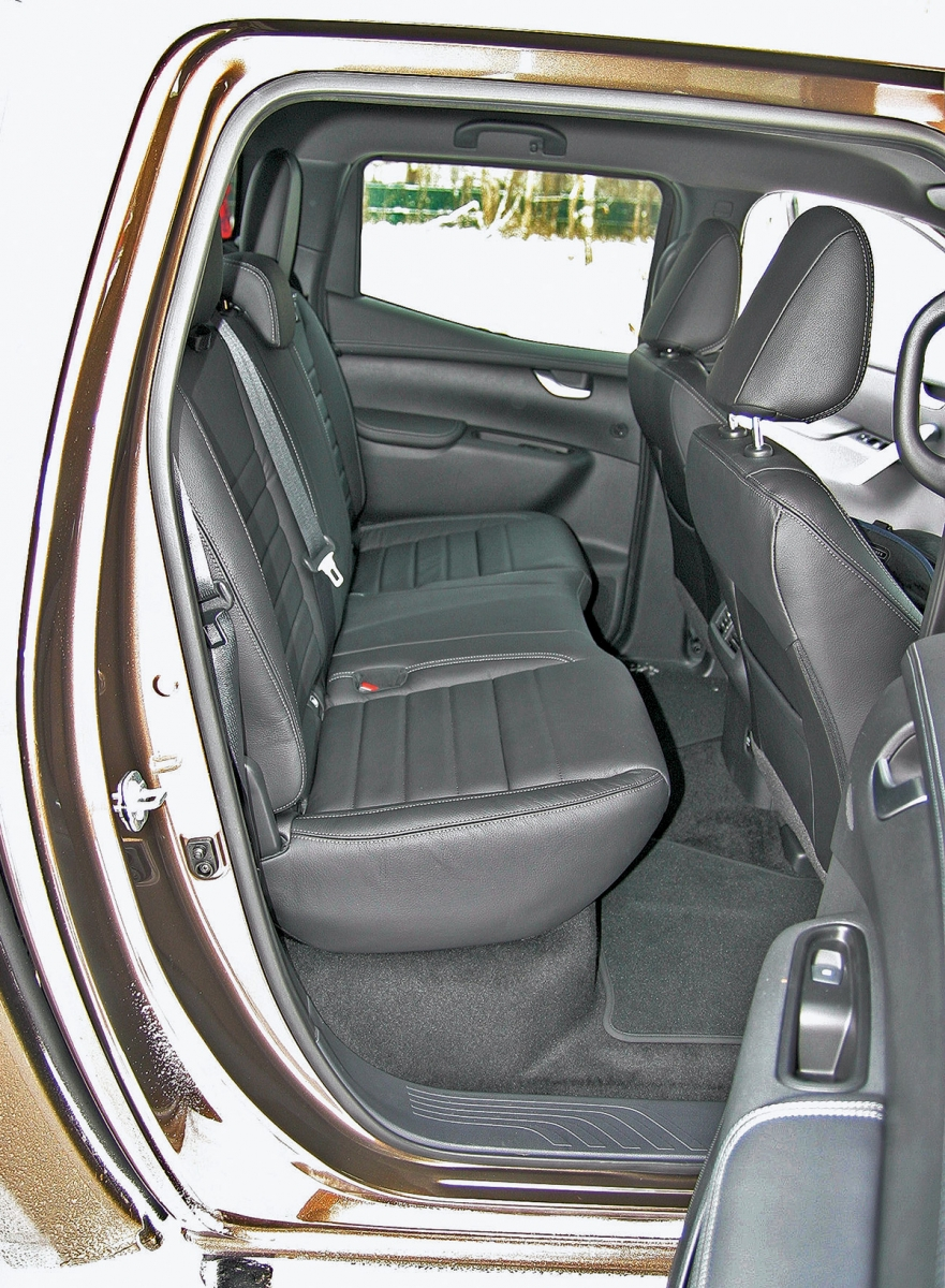Тест Mercedes-Benz X-class. С дизелем по бездорожью