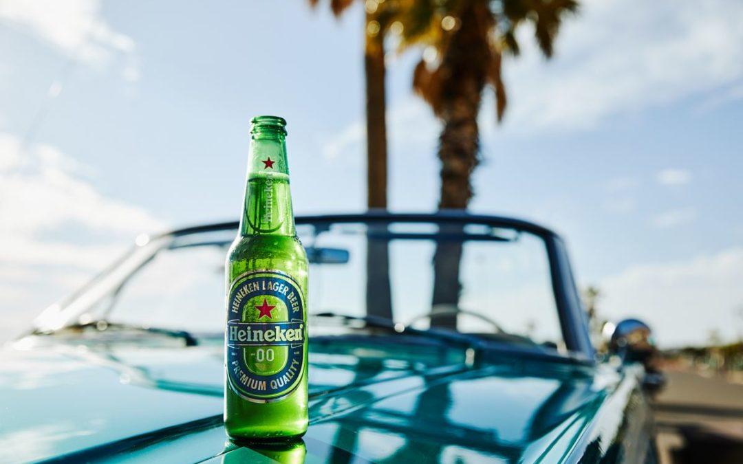 Можно ли пить безалкогольные напитки за рулем машины?
